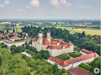 Blick auf das Kloster Roggenburg.