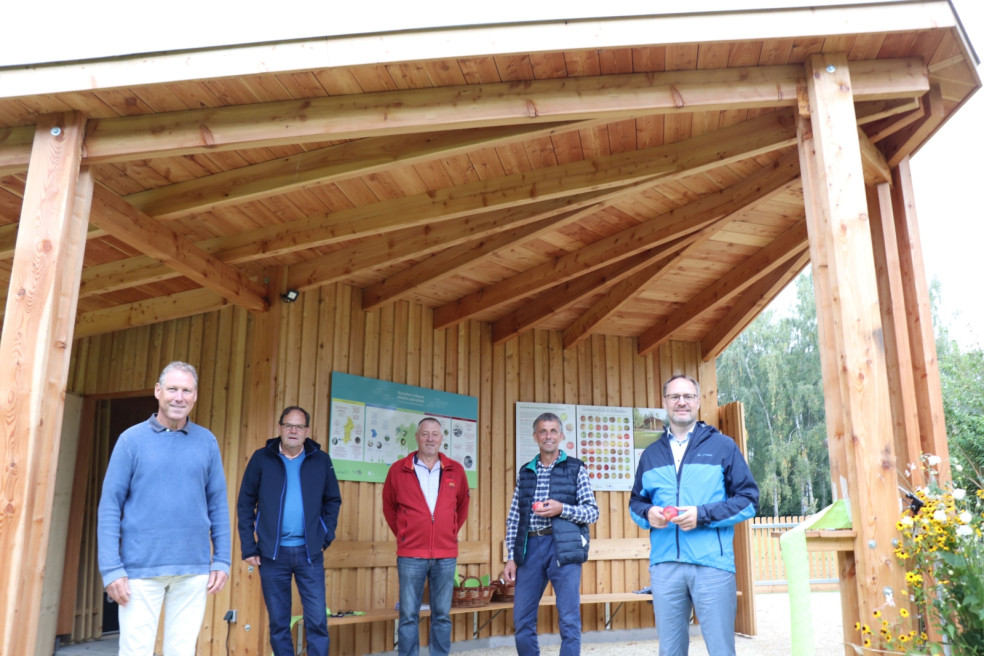 Gruppenbild Umweltpavillon Kreismustergarten